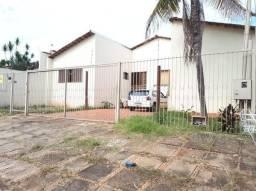 Casa  com 5 quartos - Bairro Vila Santa Efigênia em Goiânia