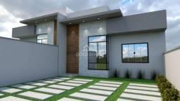 Casa diferenciada com 1 suíte + 2 quartos e pé direito alto.