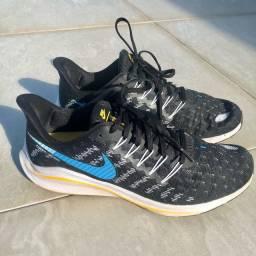 Tênis Nike Vomero tamanho 40