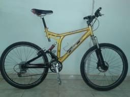 Vendo bicicleta MTB com excelente preço para desapego R$ 1.300,00