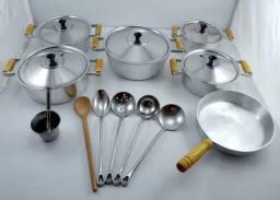Título do anúncio: Panelas de alumínio batido grosso kit com 12 peças