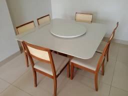 Título do anúncio: Mesa quadrada de madeira e acabamento laka luxo