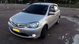 Toyota Etios Hatch 2014 Único Dono