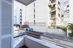 Apartamento à venda com 3 dormitórios em Laranjeiras, Rio de janeiro cod:LAAP34527