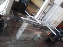 Título do anúncio: balcao de vidro 1metr e 80 cnt zap *