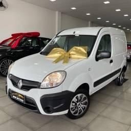 Título do anúncio: Renault Kangoo 1.6 express completa (baixo km )2017