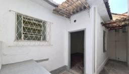 Título do anúncio: Alugo Casa de Quarto e sala em Maria da Graça