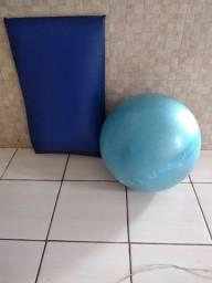Título do anúncio: Colchonete e bola para exercícios