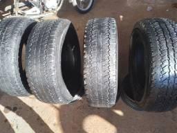 Vendo  4 pneus.265/75/16 bons para ser usados novamente