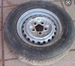 Título do anúncio: Roda Kombi 5 furos 5x112 pneus 8 lonas