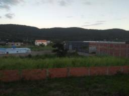 Terreno murado, 500 m², perto das vias de acesso, a 10 minutos de Cabo Frio e Centro de S