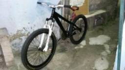 Bike para downhill e dirt jump