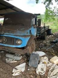 Caminhão 11/13 retirada de peças