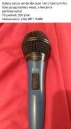 Microfone com cabo