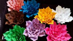 Flores decorativas gigantes de papel