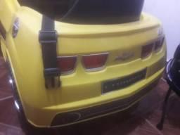 Camaro amarelo infantil