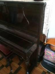 Piano schineider