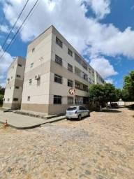 Apartamento com 3 dormitórios para alugar, 65 m² por R$ 900,00/mês - São Gerardo - Fortale