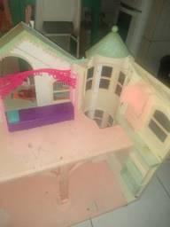 Vendo casinha da Barbie grande