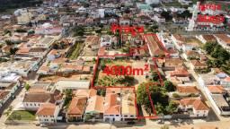 Imóvel na Praça da Matriz - 4000 m² - Acesso por 2 ruas