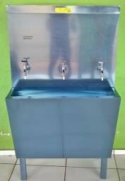 Bebedouro aço inox com 02 torneiras 80 litros 220v