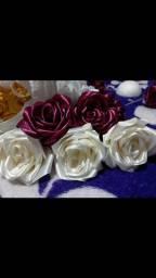 Rosa de fitas cetim
