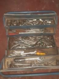 Título do anúncio: Vende se um caixa de ferramentas completa meu zap  *