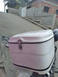 Baú de moto e suporte para broz