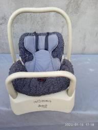 Título do anúncio: Vendo berço andador e bebê conforto com suporte pra carro