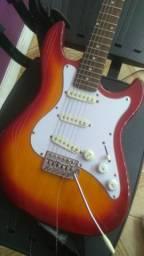 Vendo ou troco uma guitarra estrinberg muito nova sem detalhes