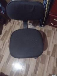 Título do anúncio: cadeira rodinhas