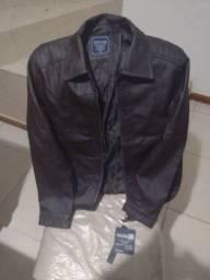 Uma jaqueta de couro legítimo
