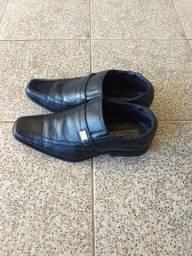 Sapato Social.