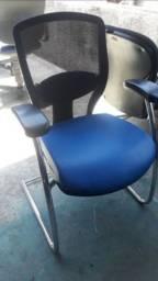Vendo cadeiras de escritório fixa flexível 200 reais cada uma