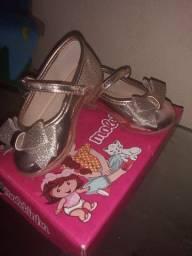 Sapatos sandalia