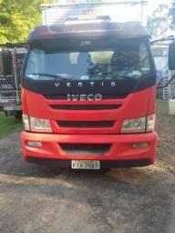 Caminhão baú Iveco Vertis 2013/2014 - 2013