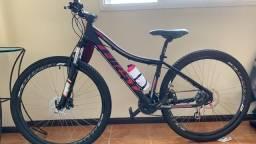 Vendo bicicleta aro 29 quadro 15 feminina novíssima!