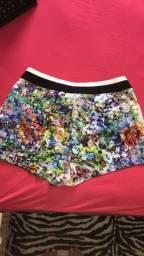 Shorts de tecido floral