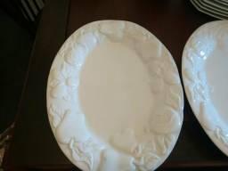 Travessas em cerâmica branca