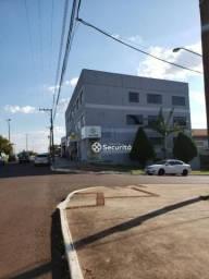 8413 | Apartamento para alugar com 4 quartos em São Cristóvão, Cascavel