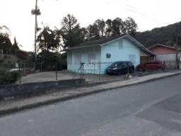 Ampla casa localizada no bairro Dom Joaquim!