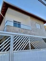 Casa Sobreposta Alta em Condomínio a Venda no Jardim Quietude!