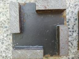 Cubinhos para corte e limpeza de piso de granito