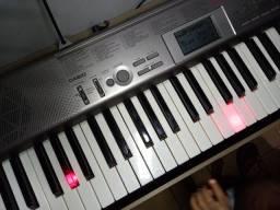 Teclado musical da casio Lk_120 (Para iniciantes).