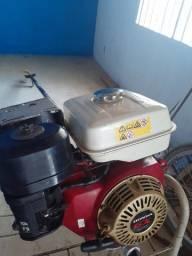 Motor, jangada, e reboque