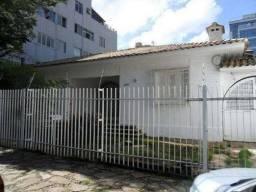 Casa com 8 Quartos para Alugar, 250 m² por R$ 5.900/Mês