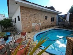 Casa em João Pessoa, Bairro do Cristo com 3 quartos, DCE e Piscina!