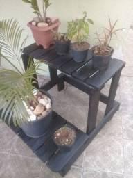 Título do anúncio: Vendo Suporte para Plantas de Madeira