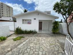 Título do anúncio: Casa com Três Dormitórios no Bairro de Manaíra