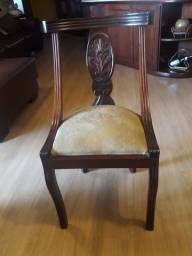 Jogo de 6 Cadeiras em mogno.